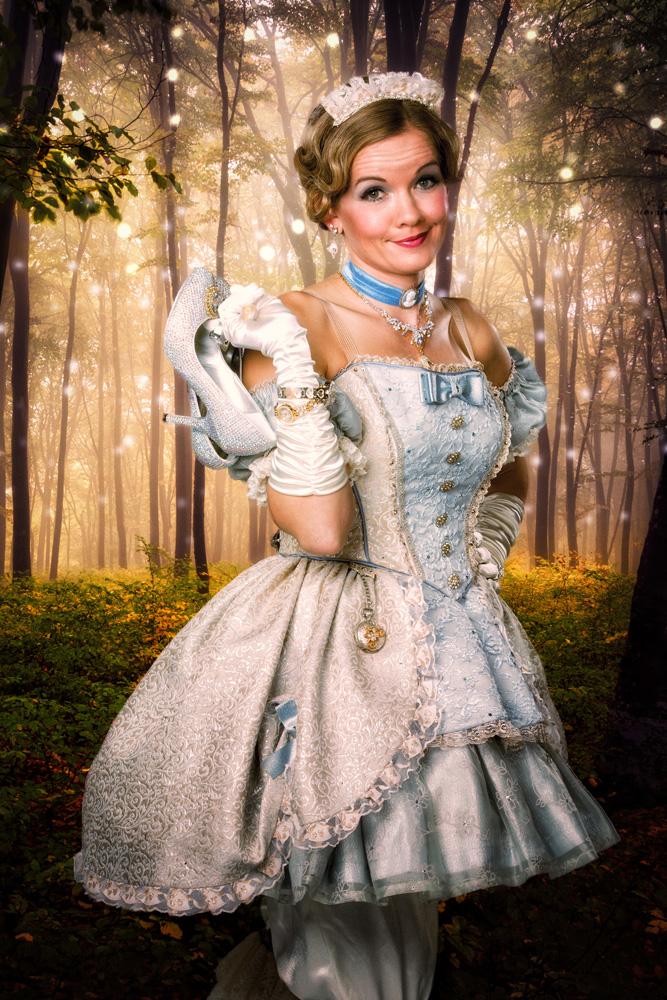 Becky Gulsvig as Cinderella_credit Matthew Murphy